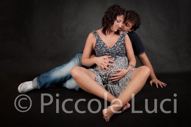 coppia incinta in attesa