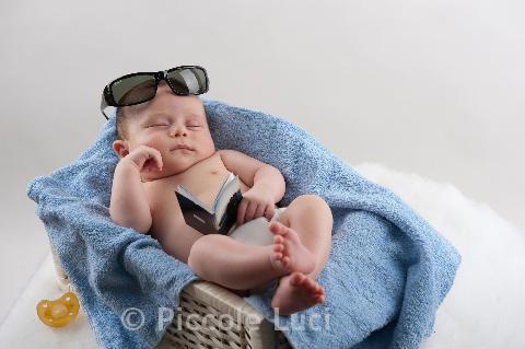 occhiali da sole asciugamano azzurro